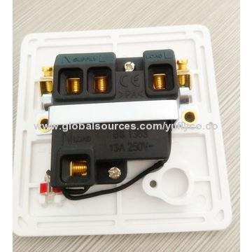 ... China UK Standard 220V 10A 1 Gang 1 Way/2 Way House Using Electric Wall
