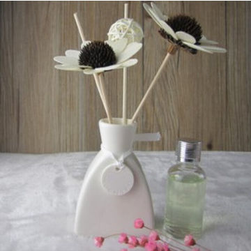 China Flower Shaped Reed Diffuser With White Ceramic Vase Various
