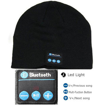 3d5682f1516 ... China Knitted Pantone color Bluetooth beanie hat with headphones ...