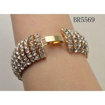 c3bce80c56c4 ... China Los brazaletes anchos dorados de las mujeres de la alta moda con  los diversos diamantes ...