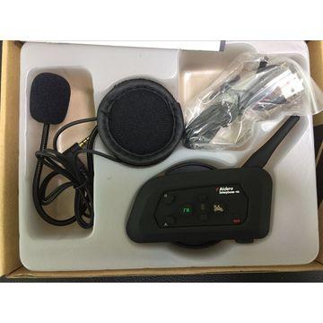4d7bc132919 ... China Vnetphone V4 motorcycle helmet 1200 meters 4 riders full duplex  helmet bluetooth intercom for dual ...
