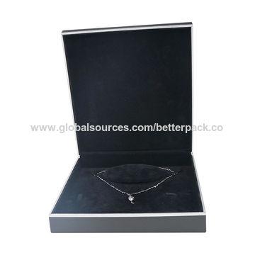 China Luxury Black Plus Silver Border Plastic Necklace Jewelry Set