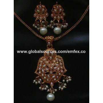 a62e2070c5a68 India Polki pendant necklace, polki jewellery pendant necklace ...