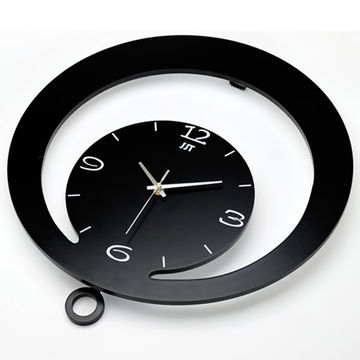 China Round Novelty Wooden Wall Art Clock Different Design Funny