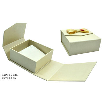 China Wholesale New Design Cardboard Gift Box Personalized Gift Box