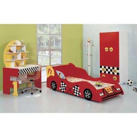 Children 39 S Bedroom Set With Makeup Bed Desk And 2 Door Clothespress