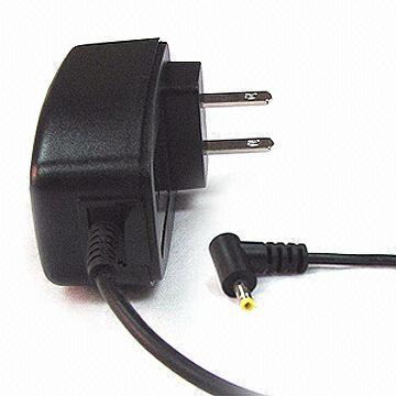 6W AC/DC Switching Power Adapter with Frequency of 50/60Hz