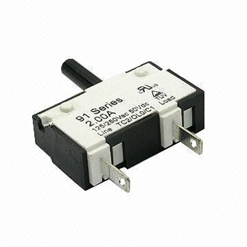 91 Series Thermal Circuit Breaker with 125/250V AC, 50V DC Voltage and 1,500V AC Dielectric Strength