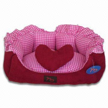 Red-checked Oval Shape Pet Bed, Various Designs and Specifications are Available