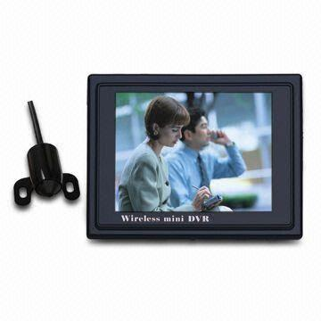 China 520TVL High Resolution Wireless Bullet Camera with 3.5-inch Screen DVR and 0.008 Lux Night Vision