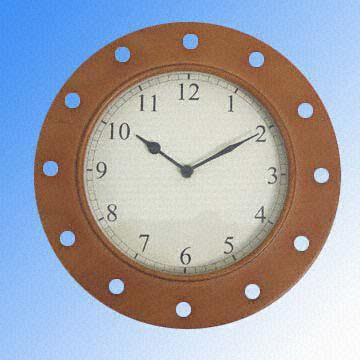 Round Wooden Wall Clock with EasytoRead Arabic Numerals Global