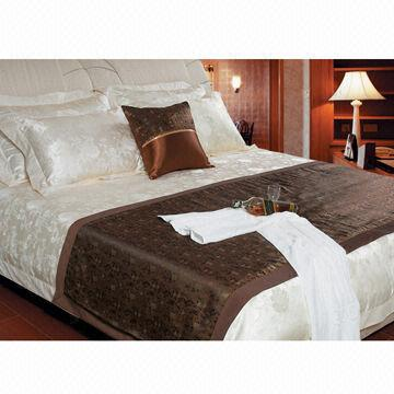 China Luxury Hotel Bedding Products Made of Cotton and Polyester Various Colors/Designs