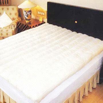 China Feather Mattress Pad, Made of 100% Cotton