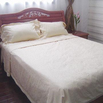 China Four-piece Bedding Set with Embroidery in Cream, Made of 100% Cotton and Morning Glory Jacquard
