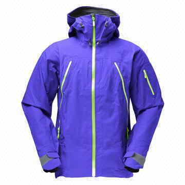 China Hot-sale Men's Softshell Jacket with Hood in Purple, Waterproof, Wind-proof, Breathable, Custom Logo