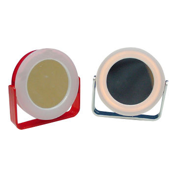 Compact Mirrors with 3x Magnifying Function and 2 x AAA Battery
