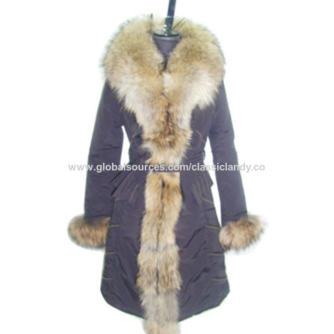 China Women's Padded Coat with Real Racoon Fur Collar