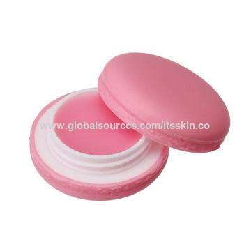 South Korea Lip balm, provides moisture and nourishment to care for dry lips