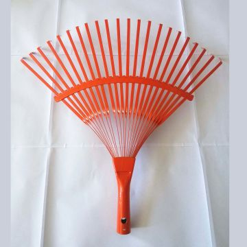 China 22 Teeth Metal Leaf Rake with Spray Treatment