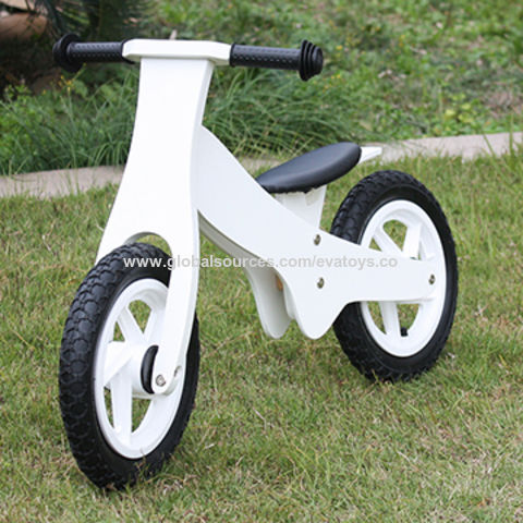 2016 new design white funny children's wooden balance bike without pedals W16C154