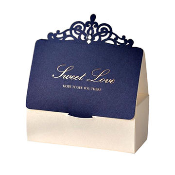 China New design folding gift boxes with crown as handle and unfolding function