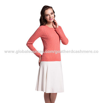 Women's round-neck cable cashmere sweater