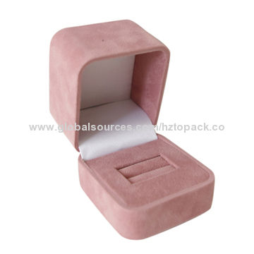 China Suede Bo Made Of Material Ring Box Plastic