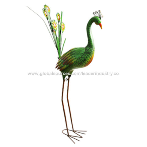 ... China New Spring Green Metal Peacock Garden Sculpture