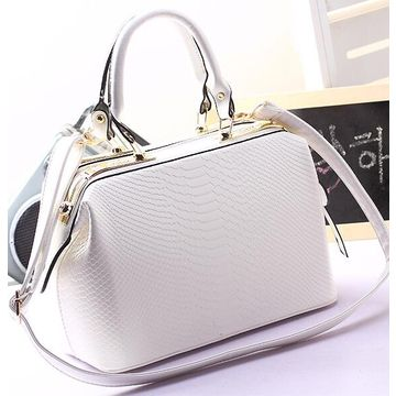 Hong Kong SAR PU leather handbags with strong handle high-capacity metal, zippered, customization is accepted