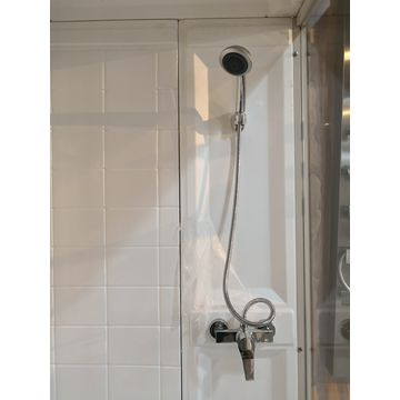 China Glass shower enclosure from Lianyungang Wholesaler: Advanced