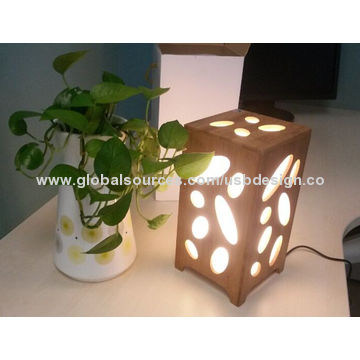 China Colorful flash light speakers, made in bamboo for music playing