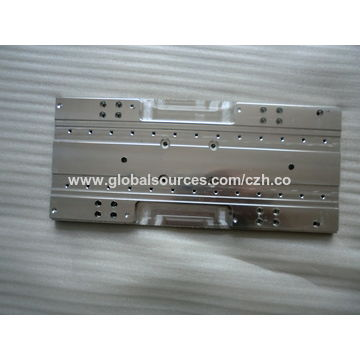 China CNC computer gong processing parts, made of aluminum, with drilling tapping surface treatment
