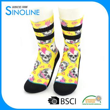 Custom women digital print sublimation crew socks | Global Sources