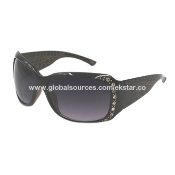 9bea2ed29a China Big frame plastic sunglasses with stones on Global Sources