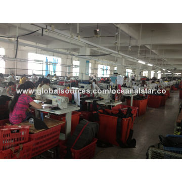 China Sports Daypack, Made of Microfiber, with Front Pockets, Special for Teenagers