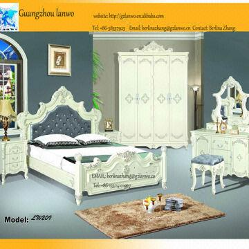 China Nice Chinese Wooden Bedroom Set Luxury Clic Furniture
