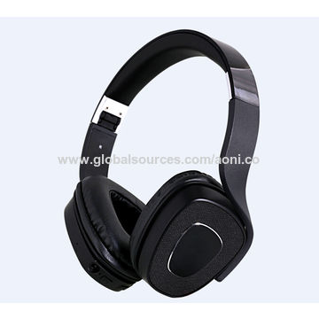 Universal stereo Bluetooth headsets,Transmission 10-15m, Built-in microphone for calling function