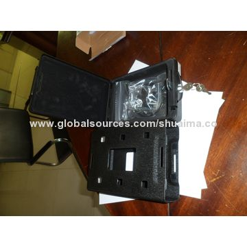 China Deluxe car safes, measures 220*162*65mm, key lock, steel cable