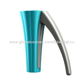 China Nut Cracker with Easy to Take Off a Hard Shell