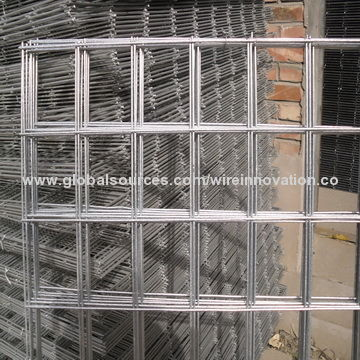 China Galvanized Or Pvc Coated Welded Wire Mesh Used In Construction Area With 25 Years