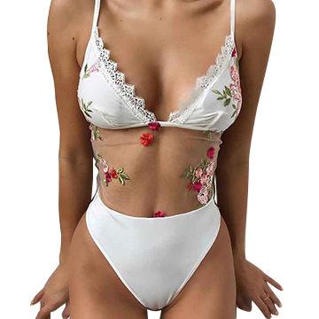 Tini bikini meztelen