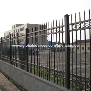 China Protect Powder Coated Hot Dip Galvanized Steel Fence