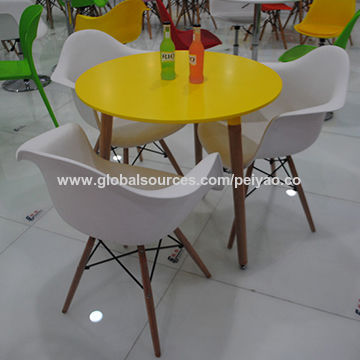 ... China Wooden Leg Small Plastic Dining Table And Chair