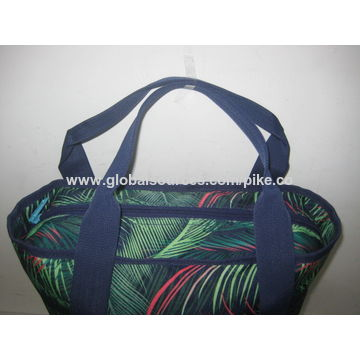 China Made of 600D/PU polyester with hot-transfer printing + 210D/PU lining