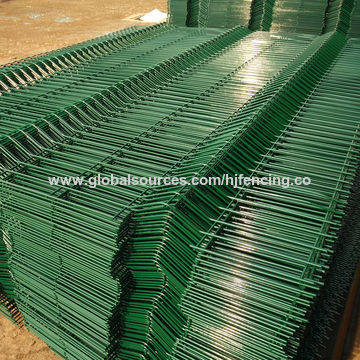 ... China Welded Wire Mesh Fence Panels In 9 Gauge Used For Garden ...