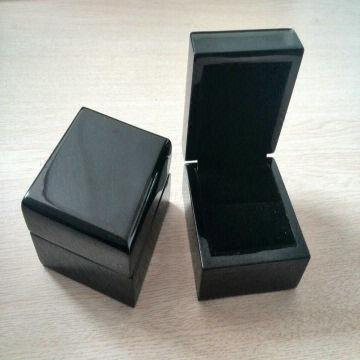 High End Black Wooden Jewelry Boxes for Ring with High Gloss Finish