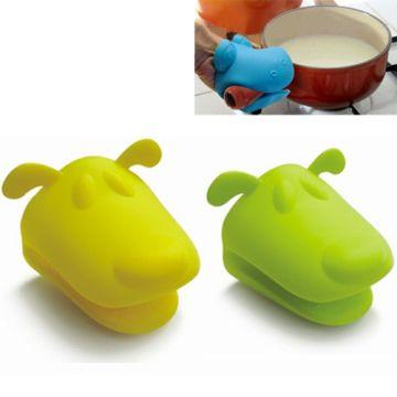 China Fancy Dog / Frog / Hippo Shape Silicon Oven Mitt / Kitchen Mitt / Oven