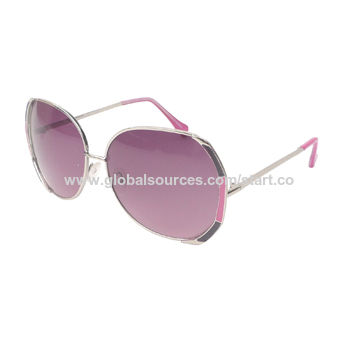 d2c40a652209 China Women sunglasses with metal frame