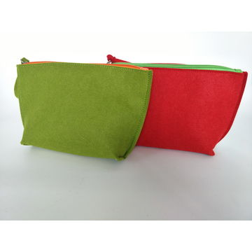 China Cosmetic bag made of felt, any size and design are available