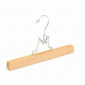 china wooden pants hanger with felt inside and metal snaplock